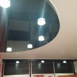 Многоуровневые натяжные потолки на кухне