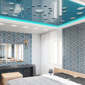 Резные натяжные потолки в спальне