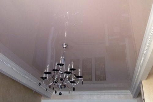 Натяжной потолок в гостиную в Минске и Минской области